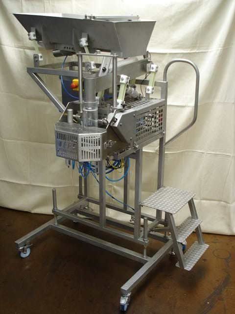 UNIFILL VOLUMETRIC FILLING MACHINE image